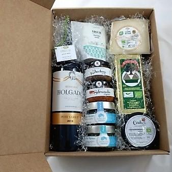 Cesta-ecológica-con-vinos-holgado- vegana, regalo para veganos