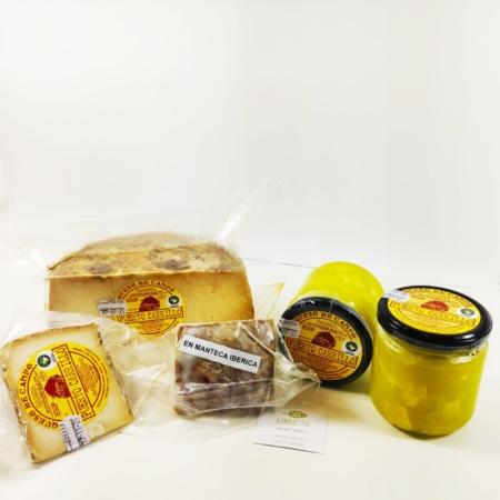 Diferentes formatos de quesos de Puerto Carrillo.
